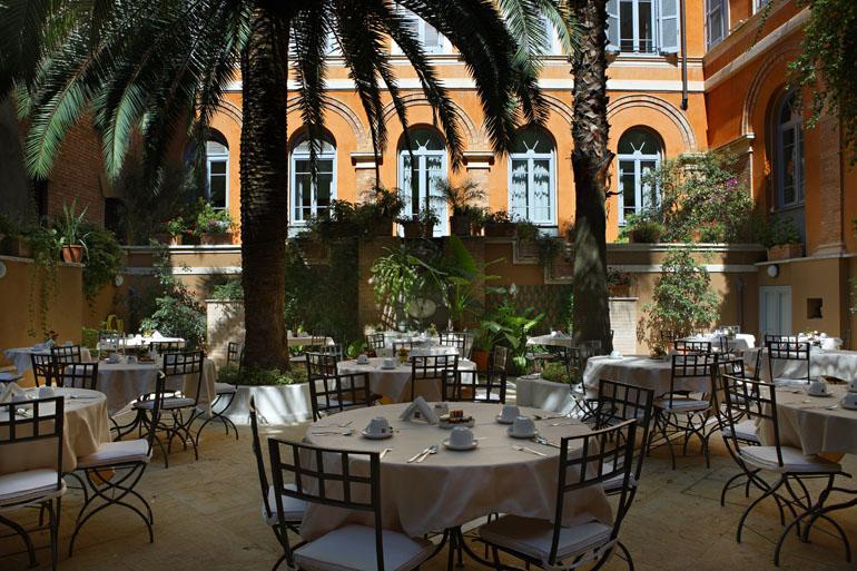 蓬米西斯托酒店