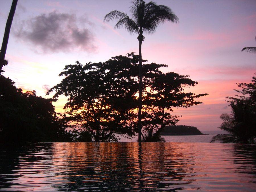 普吉島卡塔家庭式酒店