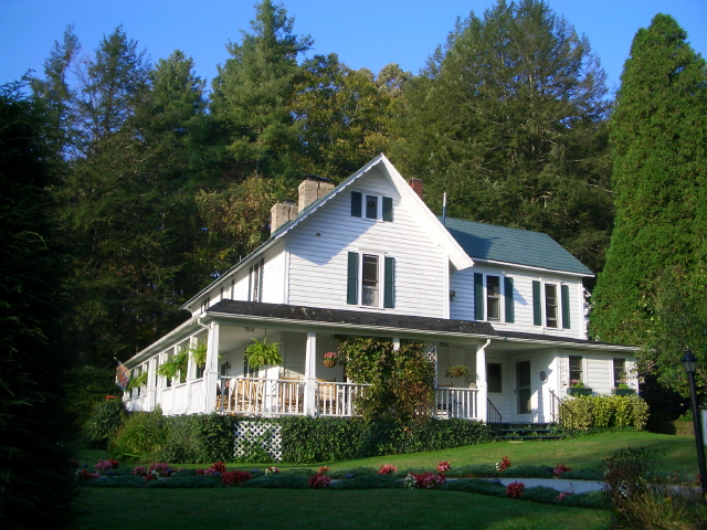 Lovill House Inn - Bed and Breakfast