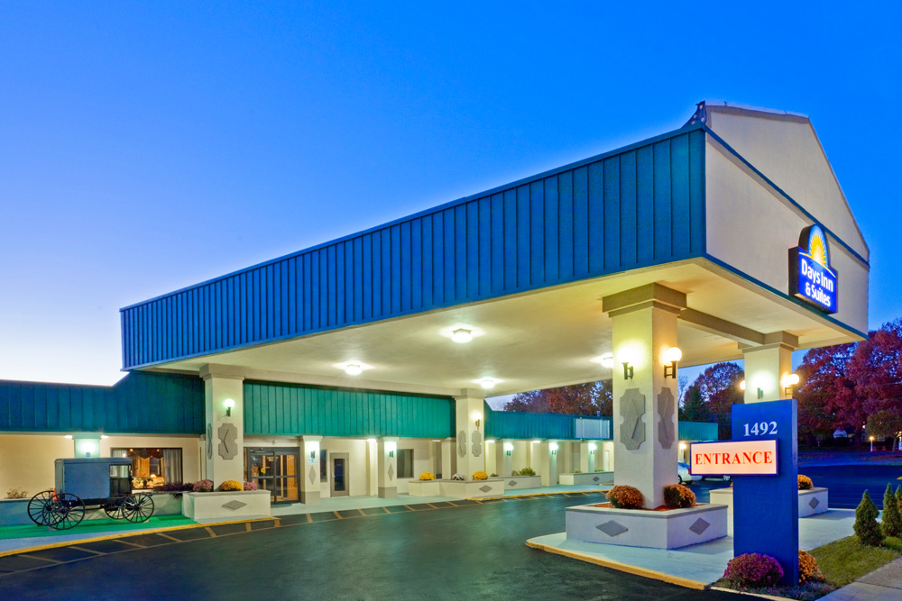 Days Inn & Suites Lancaster