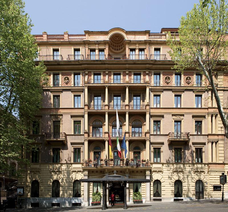엠버시아토리 팰리스 호텔