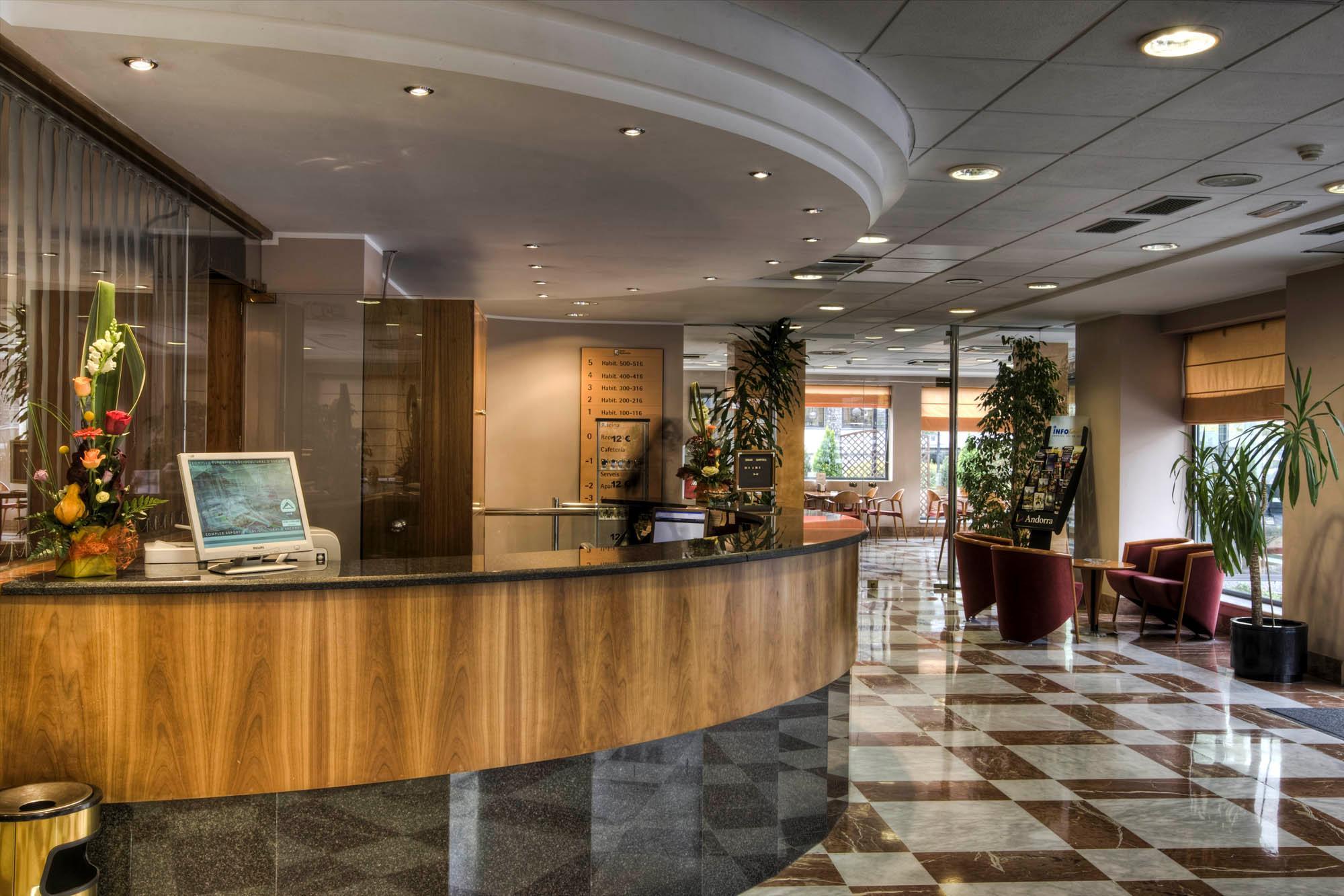 Zenit Diplomatic Hotel