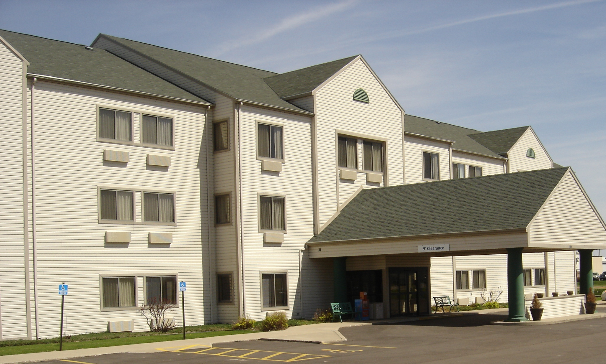 New Victorian Inn & Suites