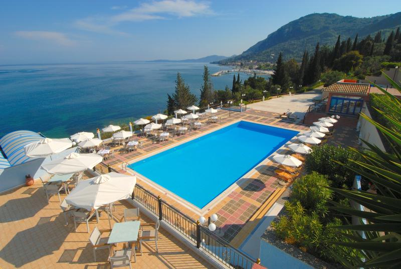Costa Blu Hotel & Suites