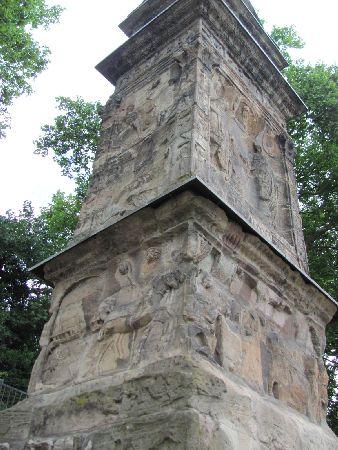 Igel Column