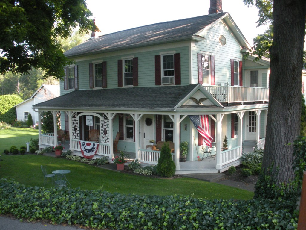 ‪Adams Basin Inn Bed & Breakfast‬