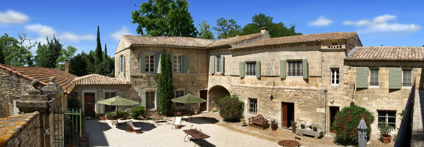 Le mas des comtes de provence hotel tarascon voir les for Photo de mas provencal