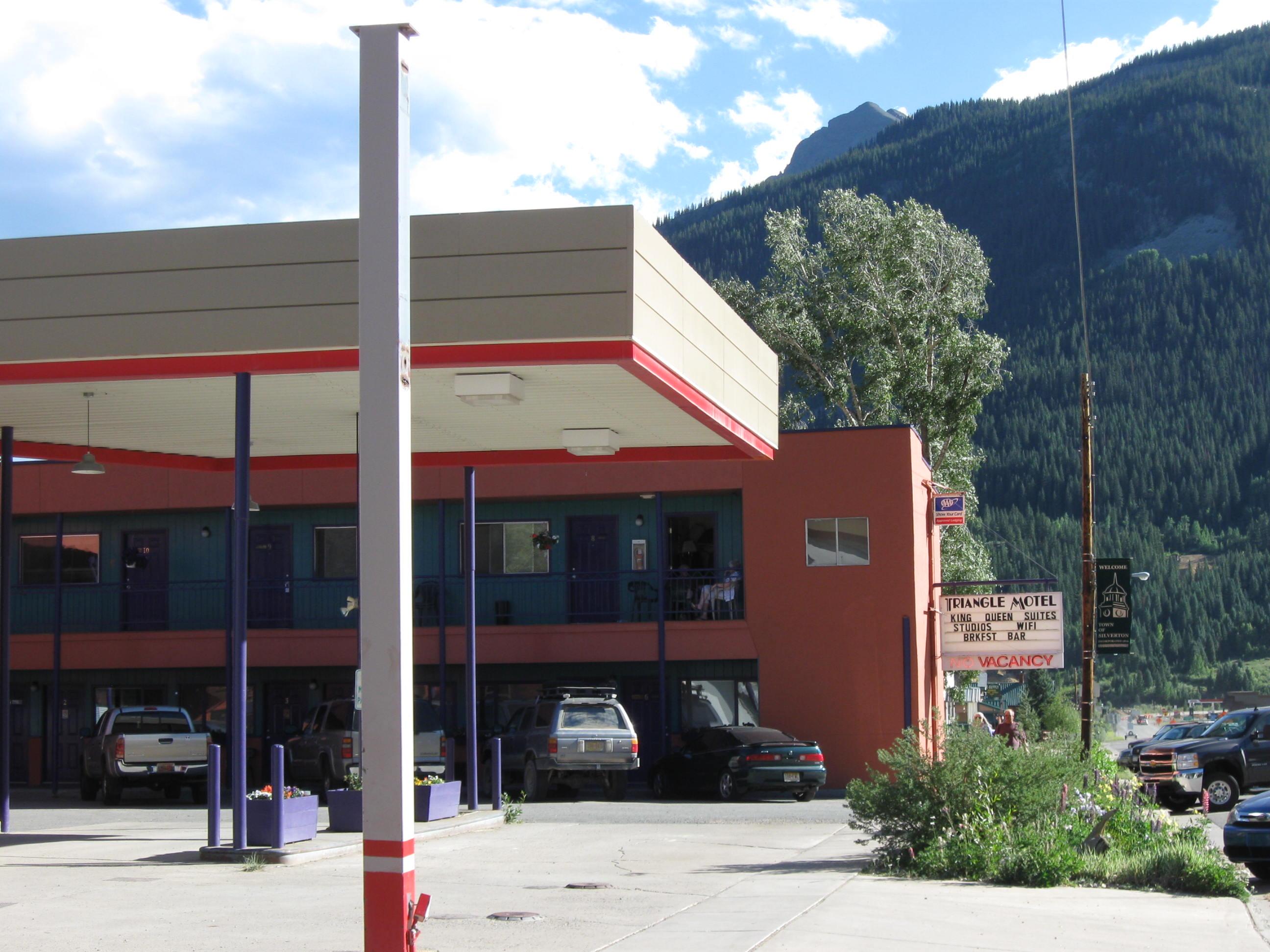 Triangle Motel