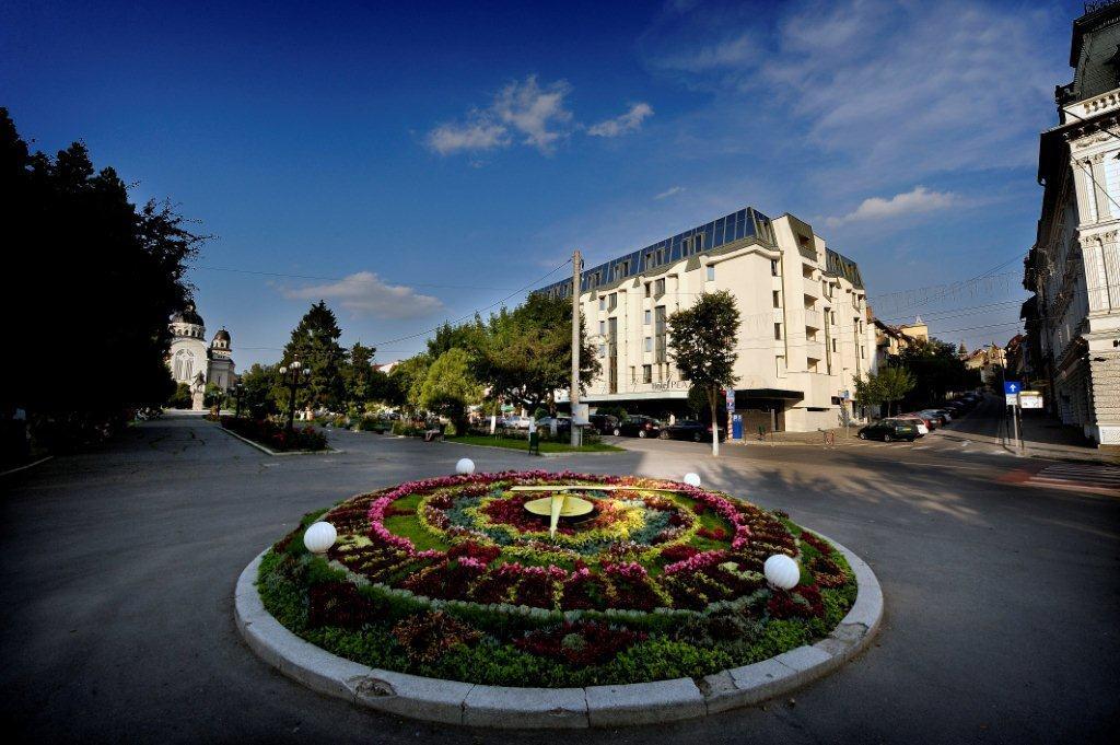 Plaza V & Plaza V Executive Hotel