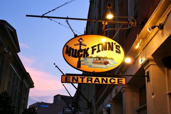 Huck Finn's Cafe