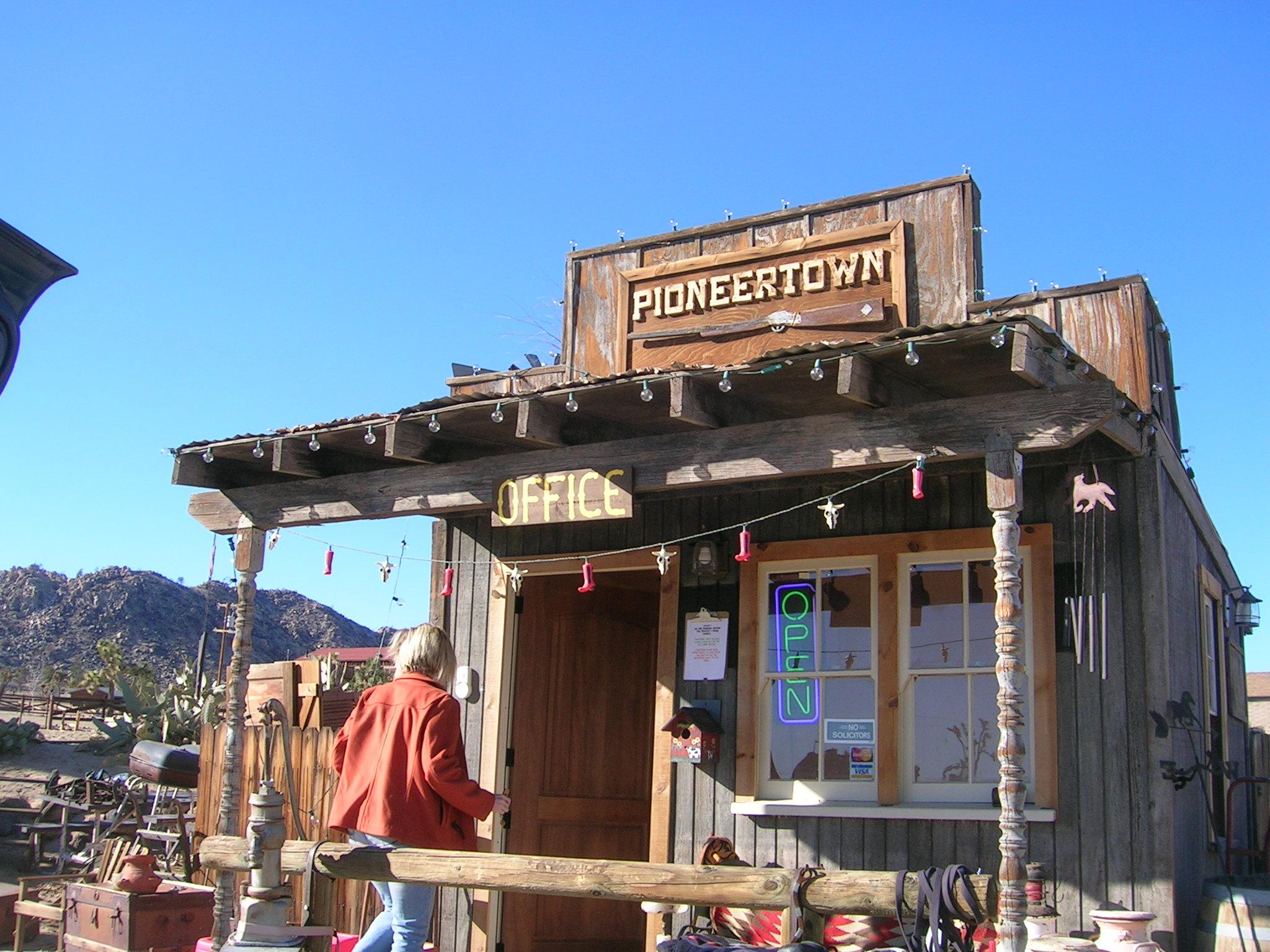 Pioneertown Inn