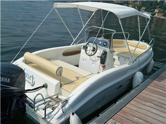 AC Boat