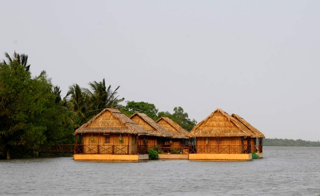 Mekong Floating House