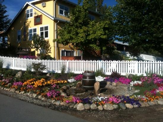 Okanagan Villa Estate Winery and the Vibrant Vine Tasting Room