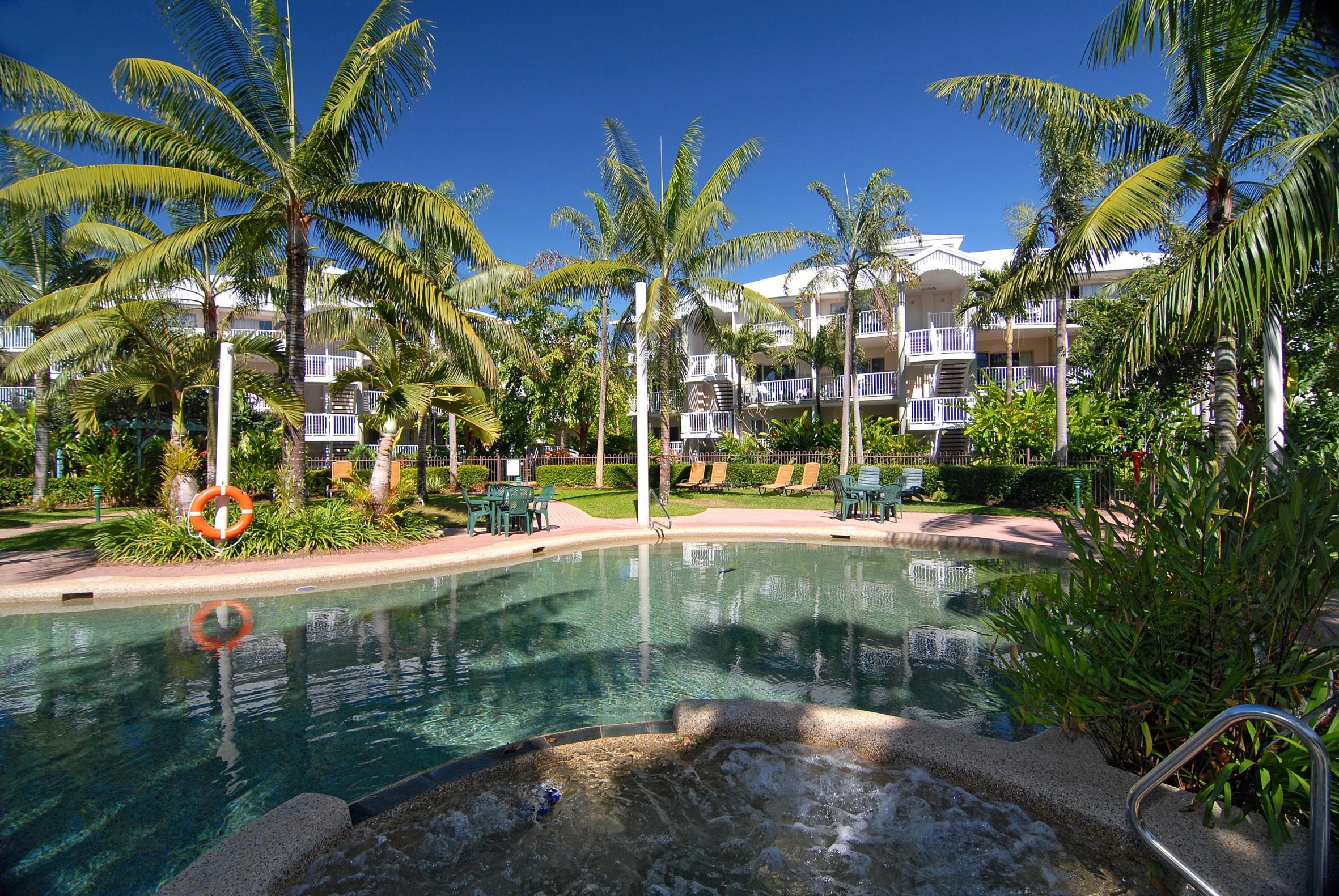 Australis Cairns Beach Resort