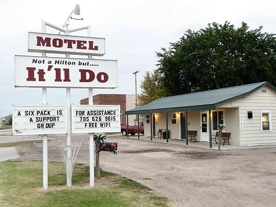 ‪It'll Do Motel‬