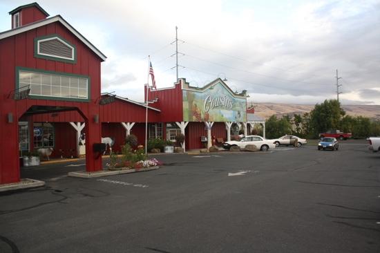 Cousins' Restaurant & Saloon