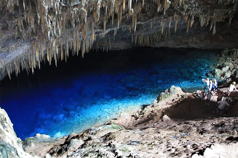 Resultado de imagem para gruta lagoa azul