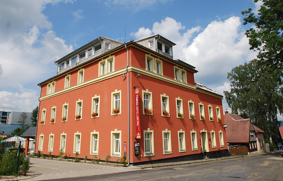 Pytloun Travel Hotel