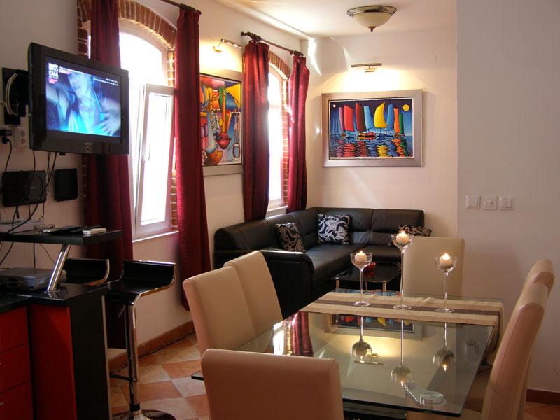 Split Apartments - Artistic, Rapsody, Euphory