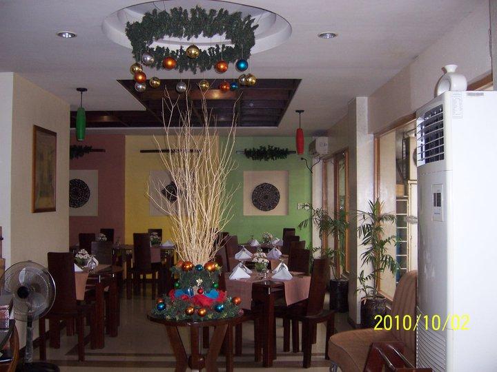 Roxas Midtown Hotel