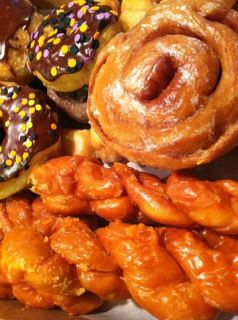 Davis Donut House