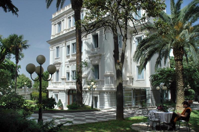 ホテル フローラ