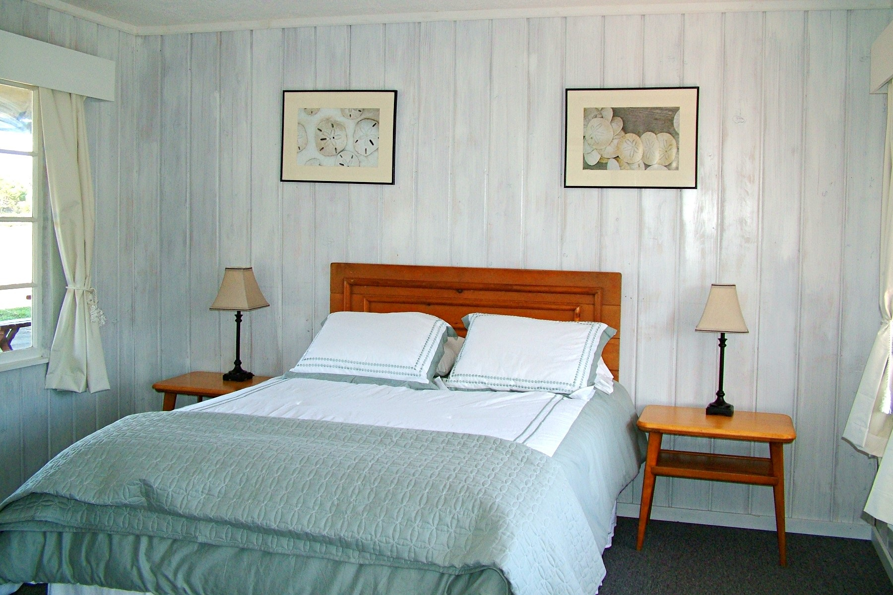 Deane's Oceanfront Lodge