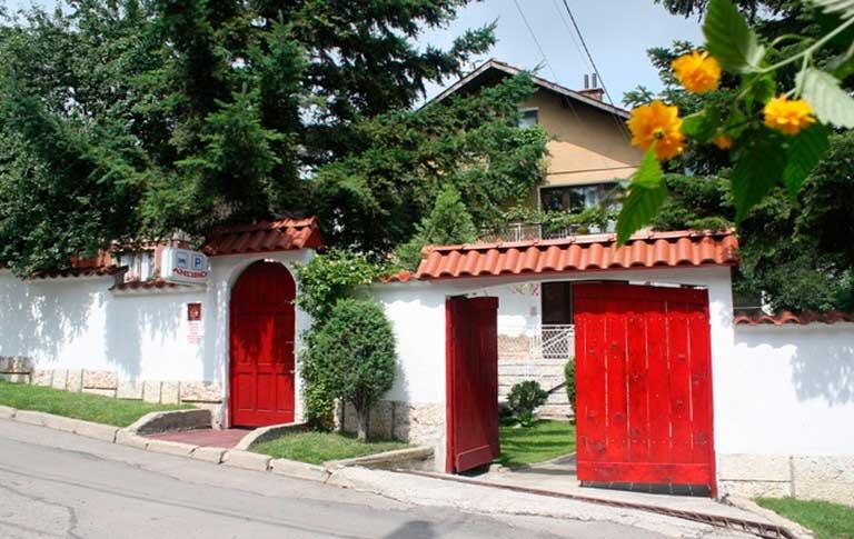 Hostel Andro