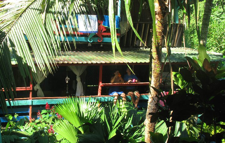 Walaba Hostel & Beach Houses