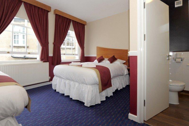 The Queens Hotel, Newport