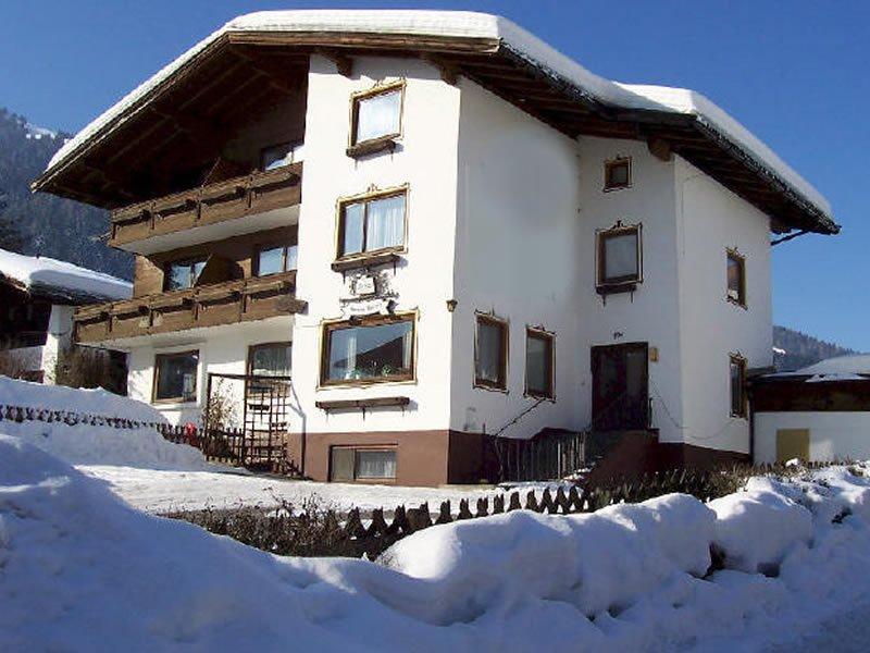The Apsley Ski Lodge