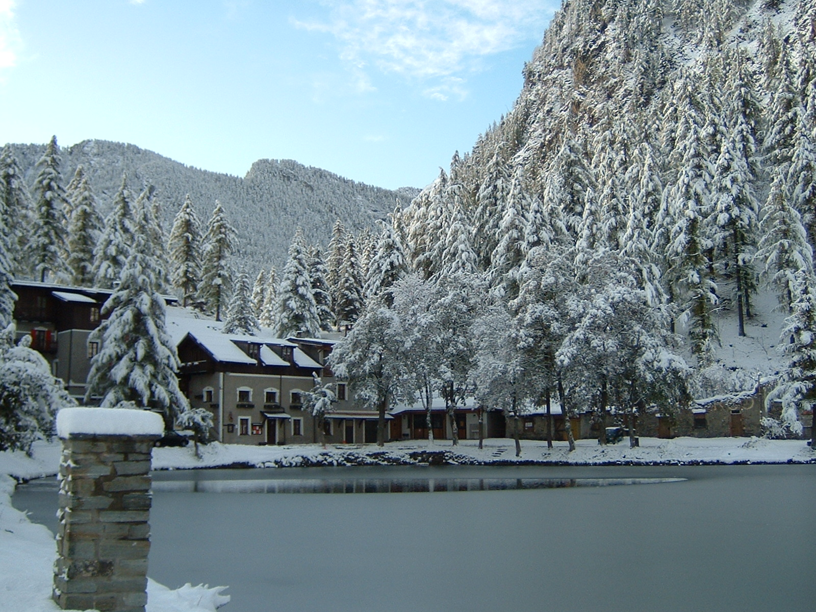 Albergo Lago Laux