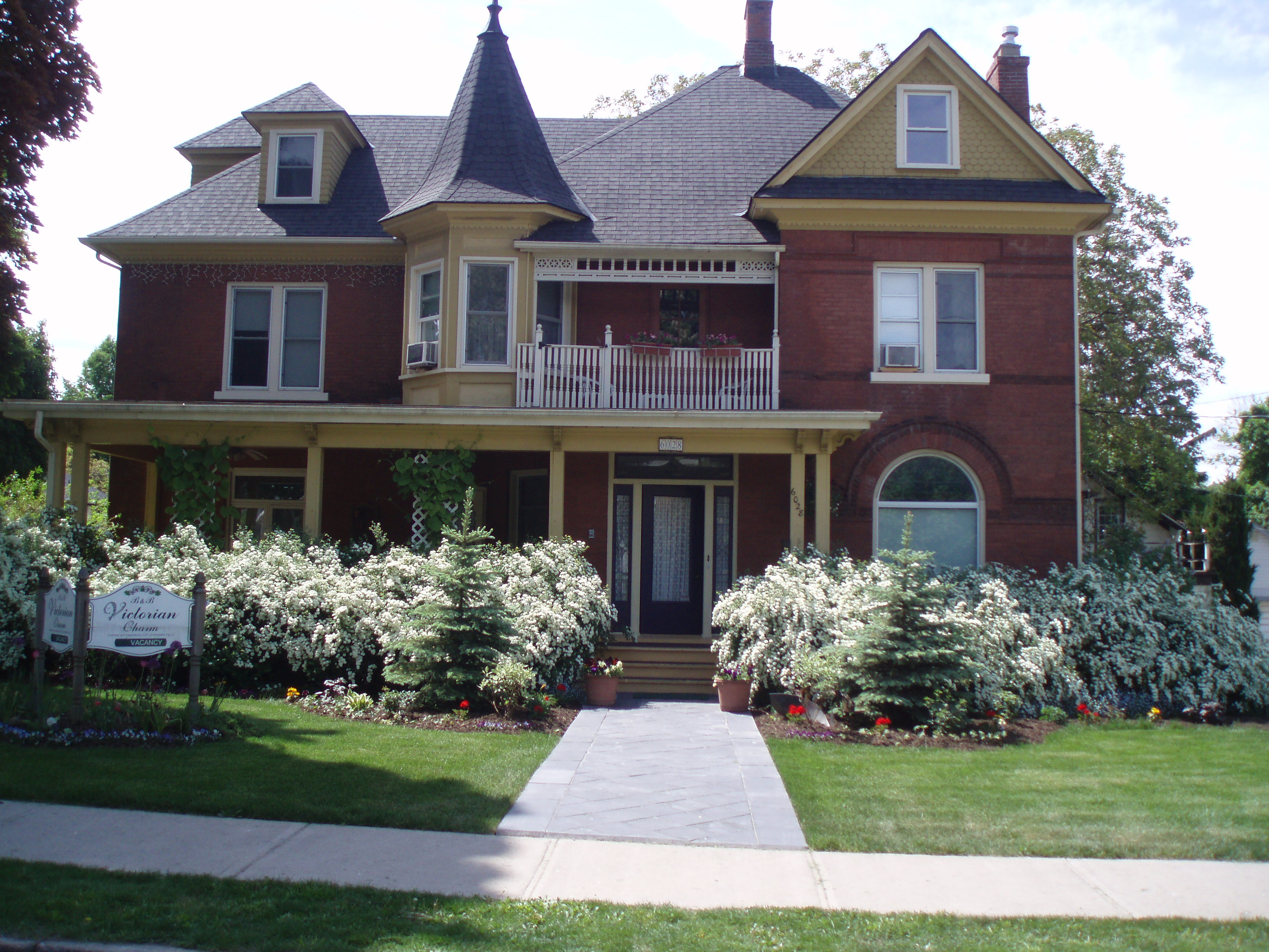 Victorian Charm Bed and Breakfast