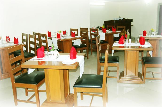 Hotel Grand Paradise Inn