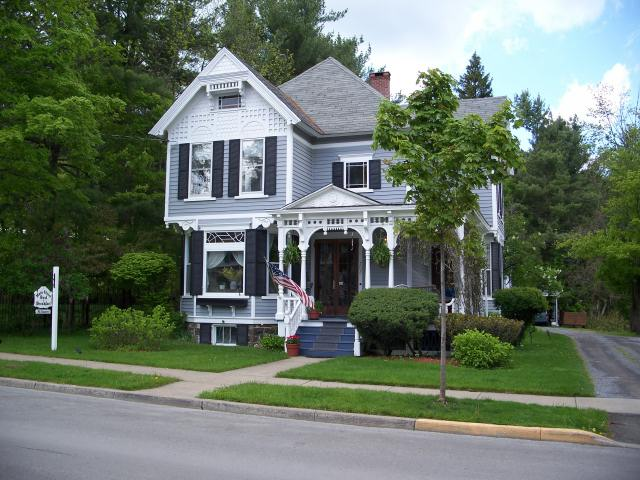 ‪Main Street Bed and Breakfast‬