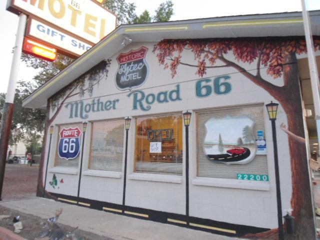 Aztec Motel & Gift Shop