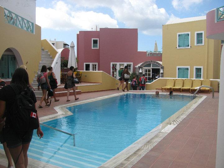 Nicholas Villa Aparthotel