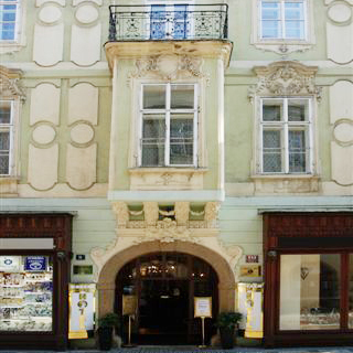 Hotel U Zlateho Jelena