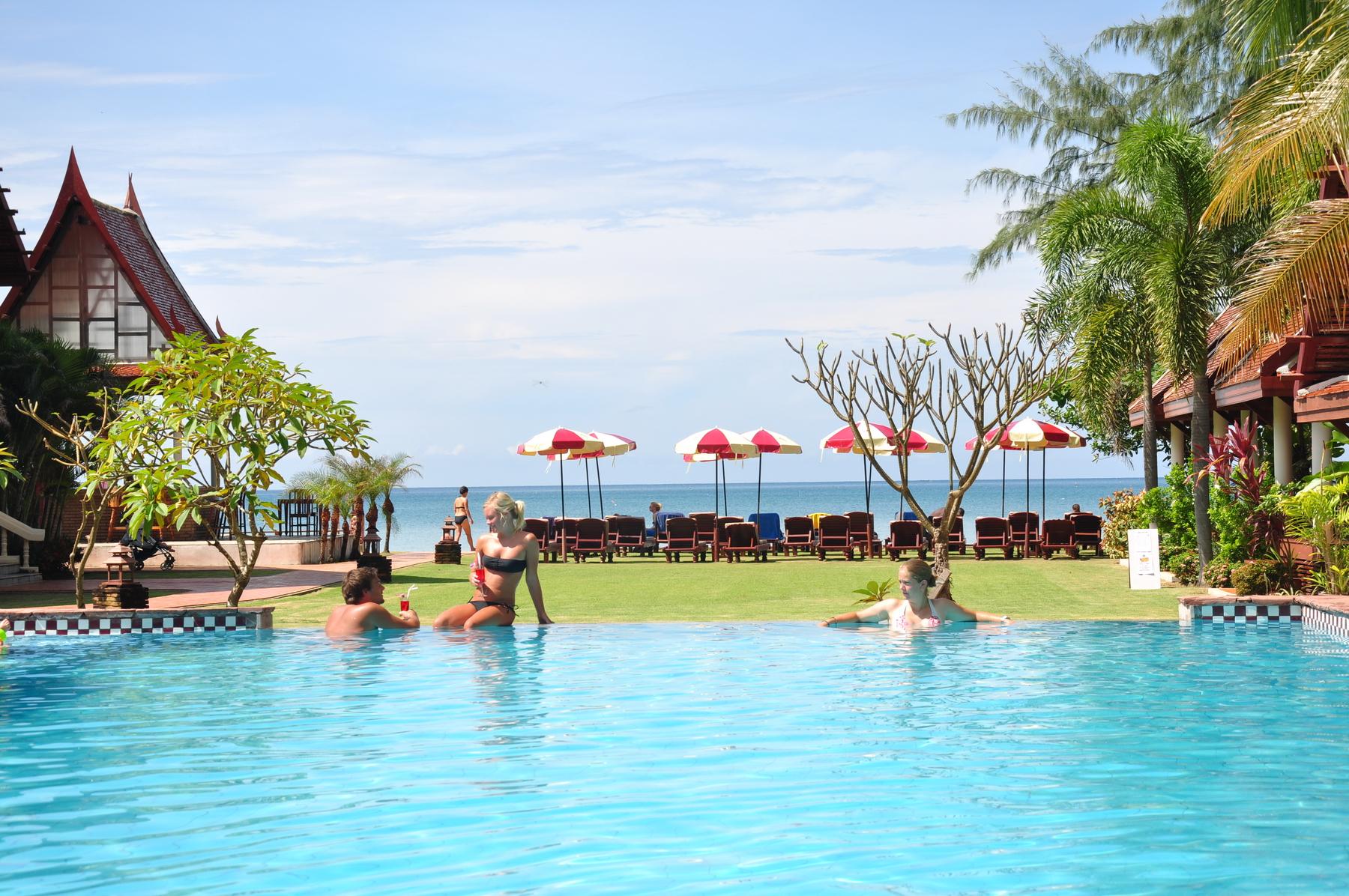 Royal Lanta Resort and Spa