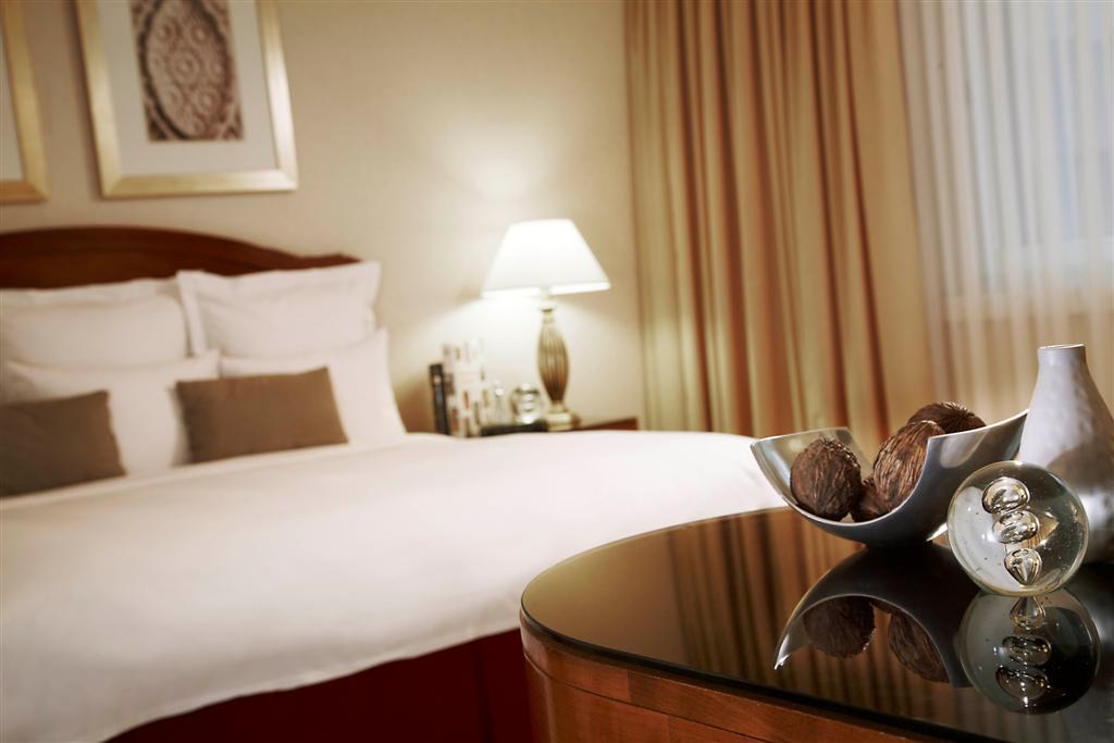 โรงแรม เรไนส์ซานเซอ ซูริช