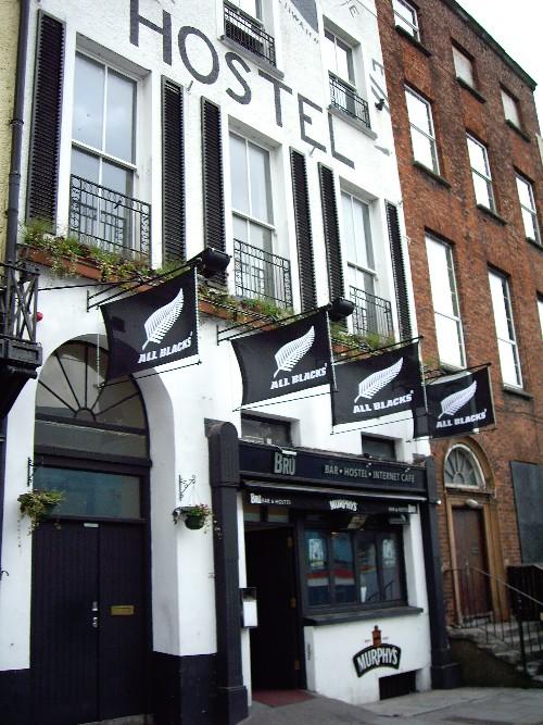 Bru Bar and Hostel