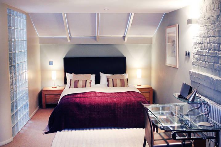 Roomcrowd 146 St John Street