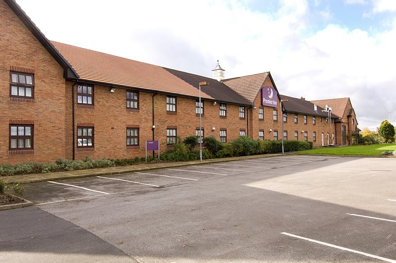 Premier Inn Crewe West Hotel