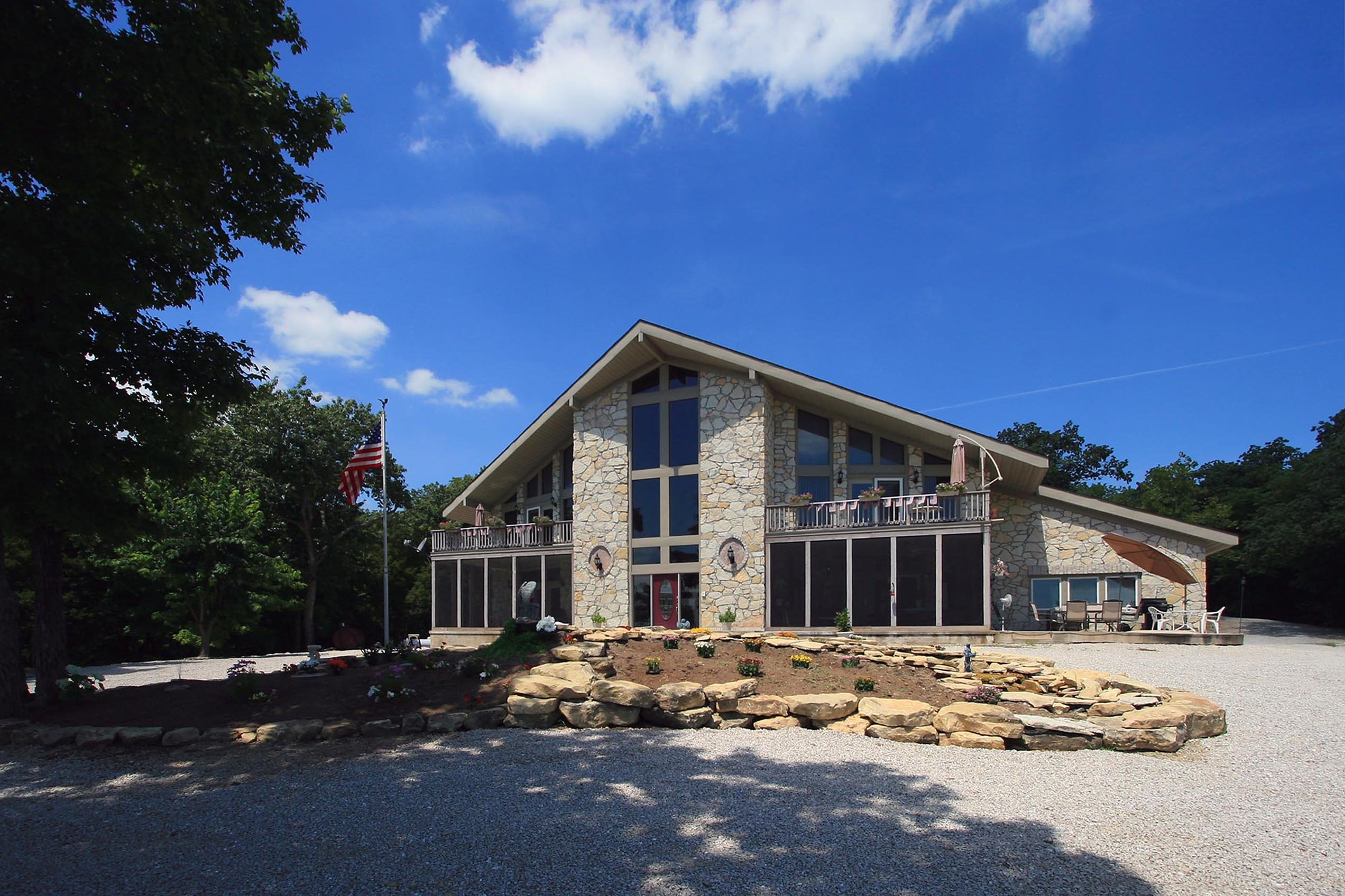Stoneridge Vineyard Farm & Inn