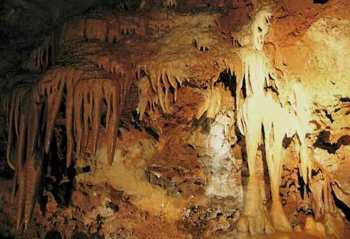 Saint Cezaire Caves