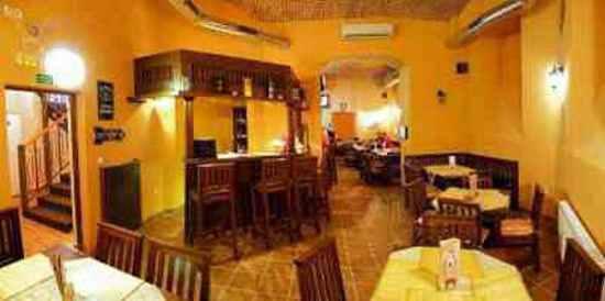 Repre Restaurant & Bar