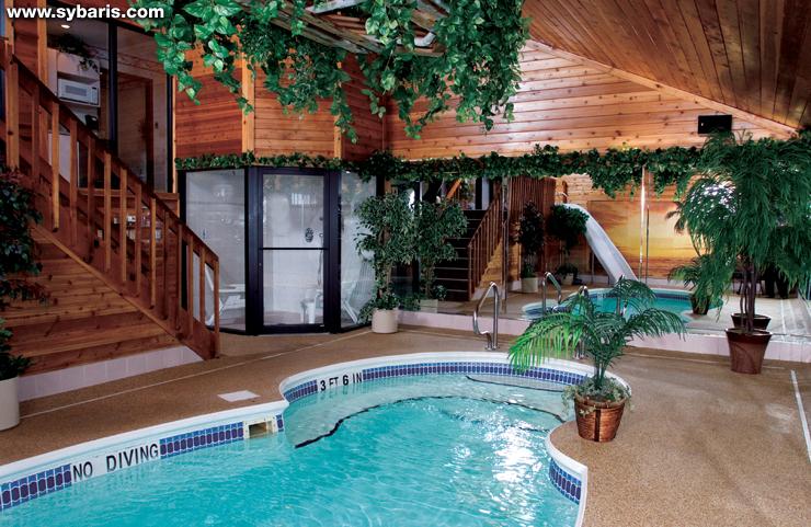 印第安納波利斯錫巴里斯泳池套房