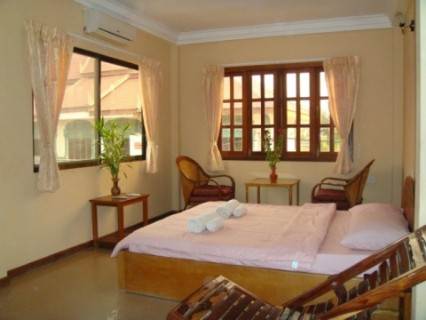 Prohm Roth Guesthouse