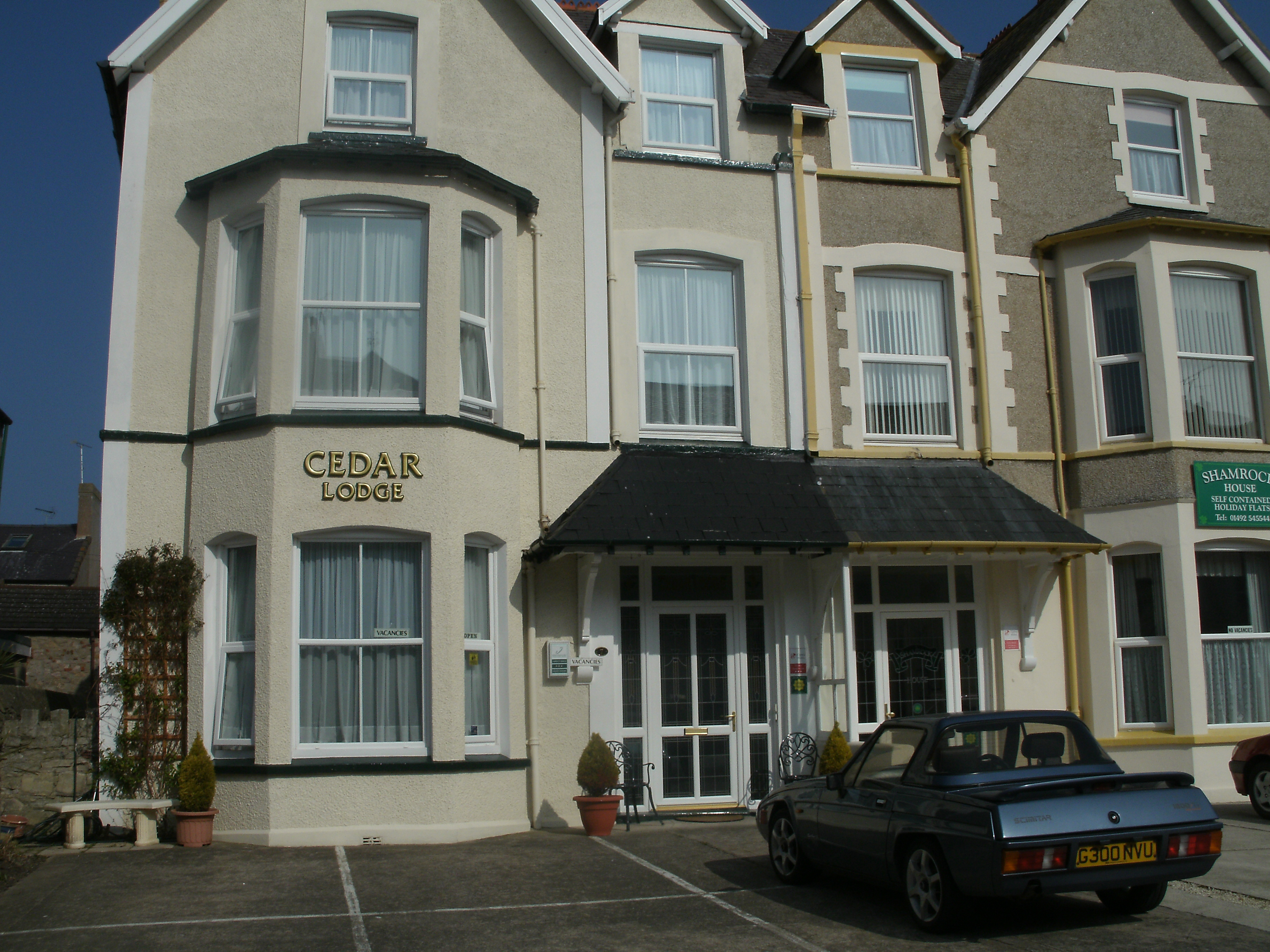Cedar Lodge Guest House